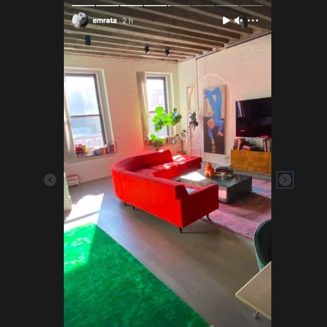 Emily Ratajkowski dévoile un aperçu de son superbe appartement !