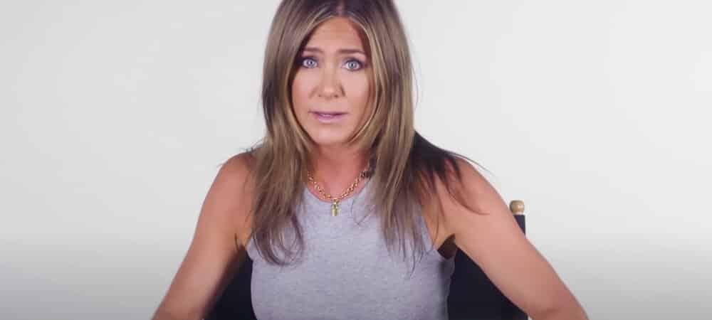 Jennifer Aniston torride en nuisette pour fêter son anniversaire1000