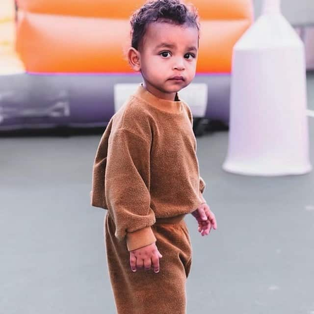Kim Kardashian dingue de son fils Psalm «le garçon le plus doux» !