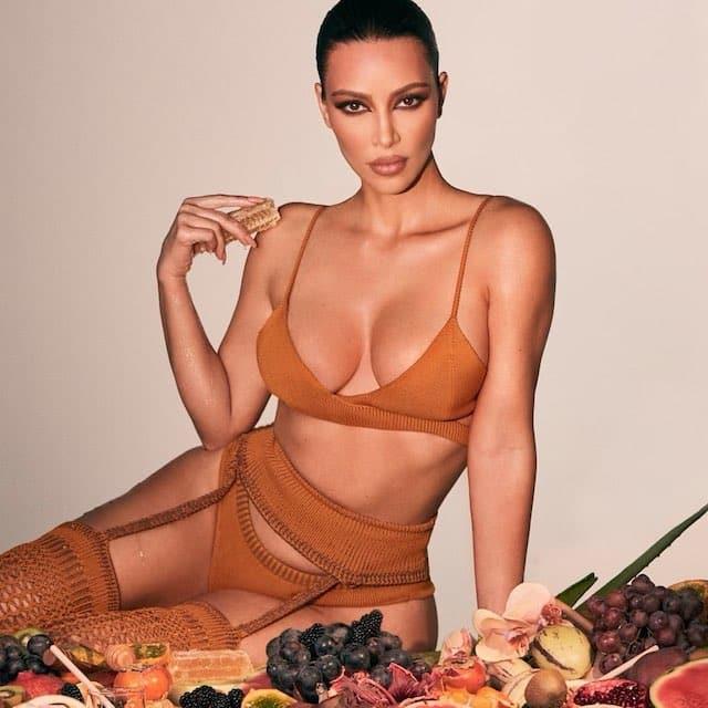 Kim Kardashian hyper torride dans de la lingerie sur Instagram !