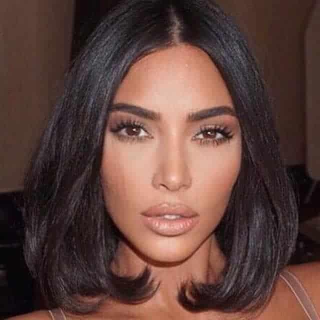 Kim Kardashian offre des roses aux soignants pour la Saint-Valentin