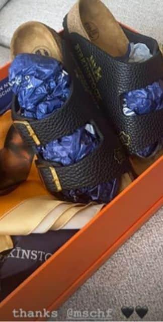 Kylie Jenner a des claquettes Hermès a plus de 76 000 dollars !