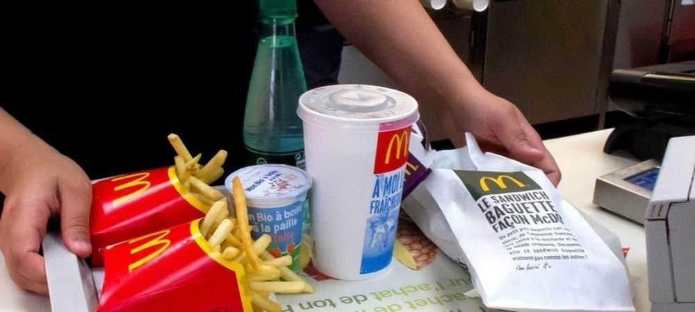 McDonald's: un client découvre un insecte mort dans son cheeseburger !
