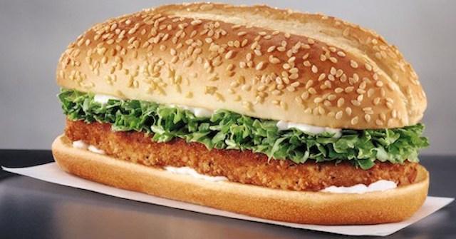 McDonald's vs Burger King: qui fera le sandwich au poulet le moins cher ?
