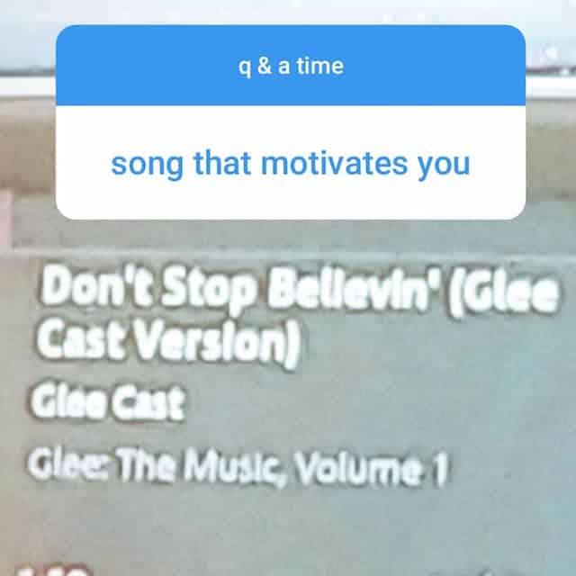 Millie Bobby Brown fan du son «Don't Stop Believin'» chanté par Glee !
