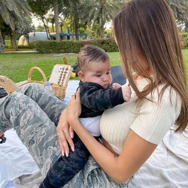 Nabilla dévoile le visage de son neveu Liaam pour la première fois !