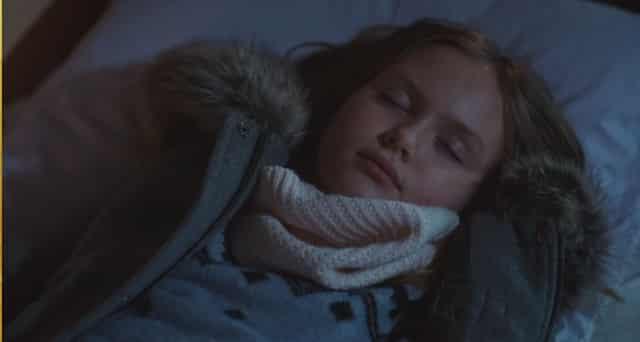 Plus belle la vie: Jacob sur le point de tuer Lucie devant Camille ?