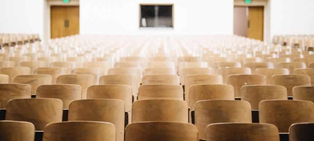 Universités: les étudiants reprennent peu à peu les cours en présentiel !