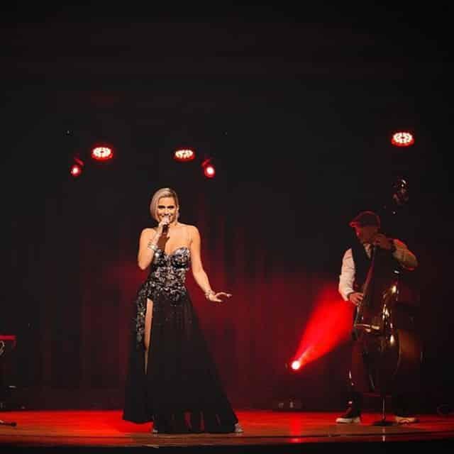 Clara Morgane très impatiente de retrouver ses fans pour son cabaret !