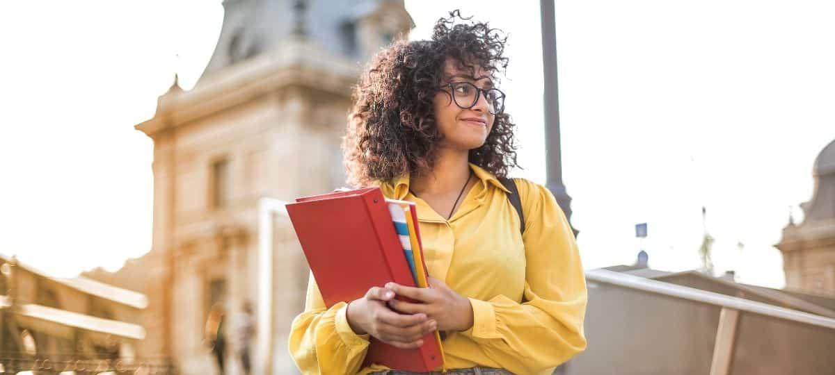 Etudiants: Top 10 des filières qui embauchent le plus en France !