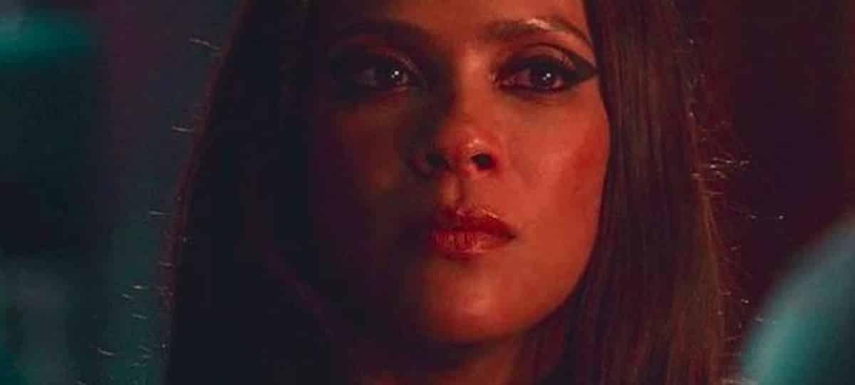 Lesley-Ann Brandt (Lucifer) s'affiche tactile avec son amie Alice !