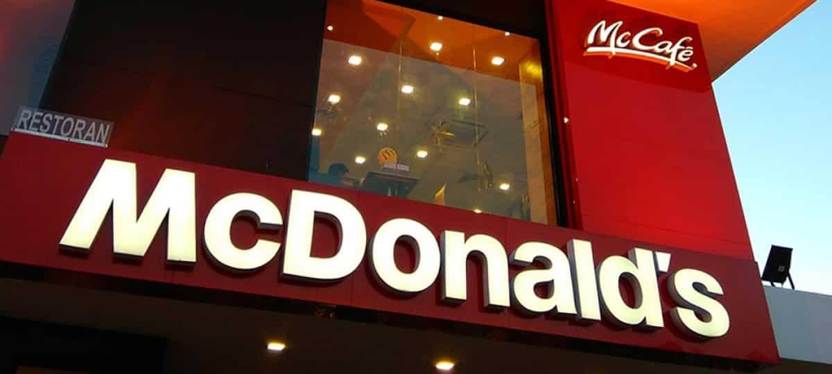 McDonald's va bientôt supprimer les bornes pour commander au drive ?