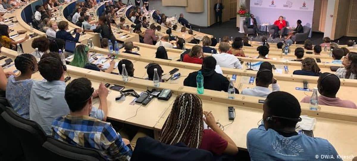Université: les étudiants et profs vaccinés d'ici la rentrée 2021 ?