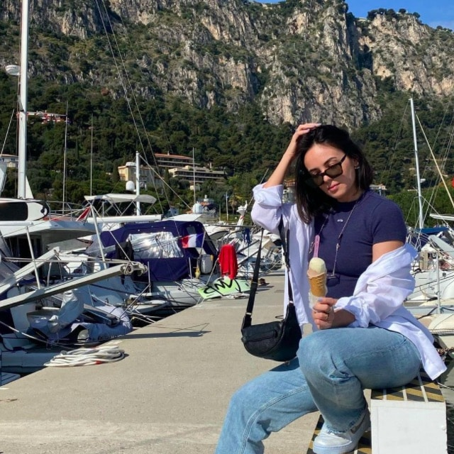 Agathe Auproux dévoile un aperçu de son séjour à la mer !