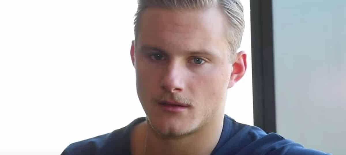 Alexander Ludwig (Vikings) supplie Frenetik de sortir le son «Ragnar» !