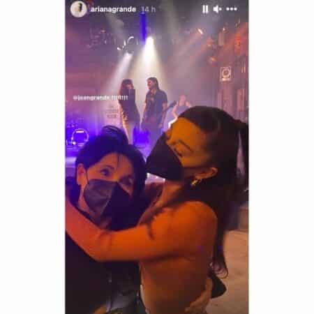 Ariana Grande très complice avec sa maman Joan sur Instagram !
