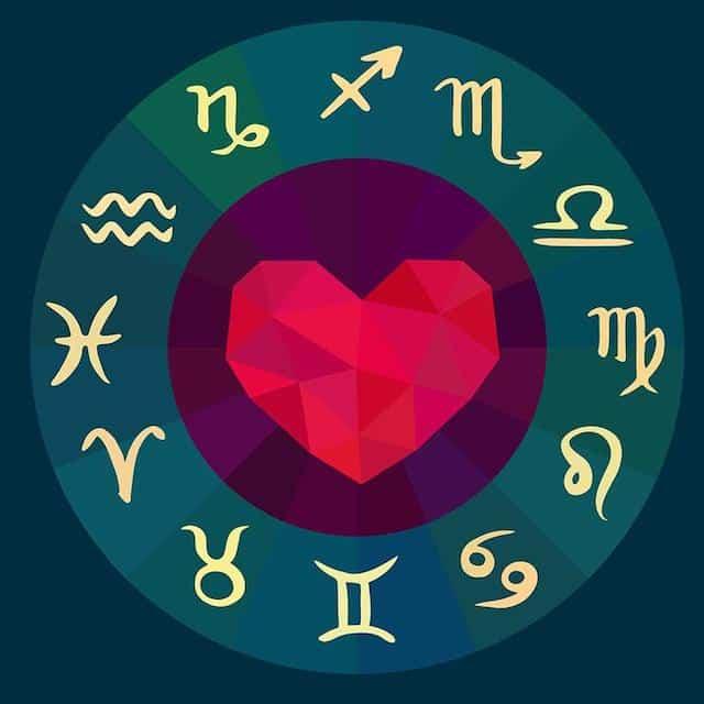 Astrologie: le signe astro descendant influence votre vie amoureuse ?