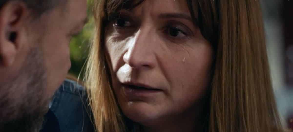 Demain nous appartient: Hélène finit par se rendre à la police !