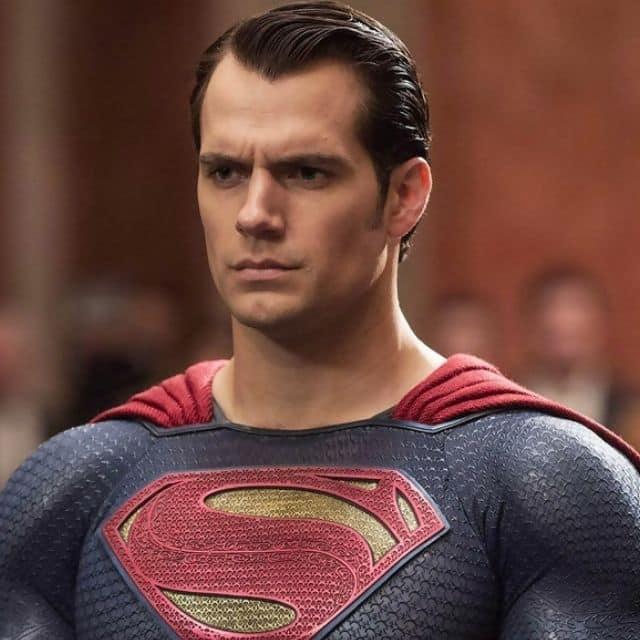 Henry Cavill: les fans de Superman célèbre ses 83 ans d'existence !