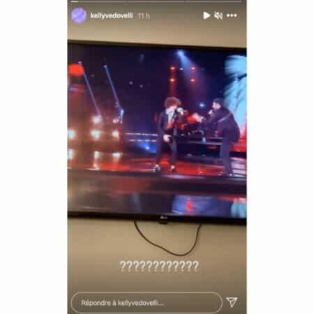 Kelly Vedovelli choquée par une prestation de deux candidats de The Voice !