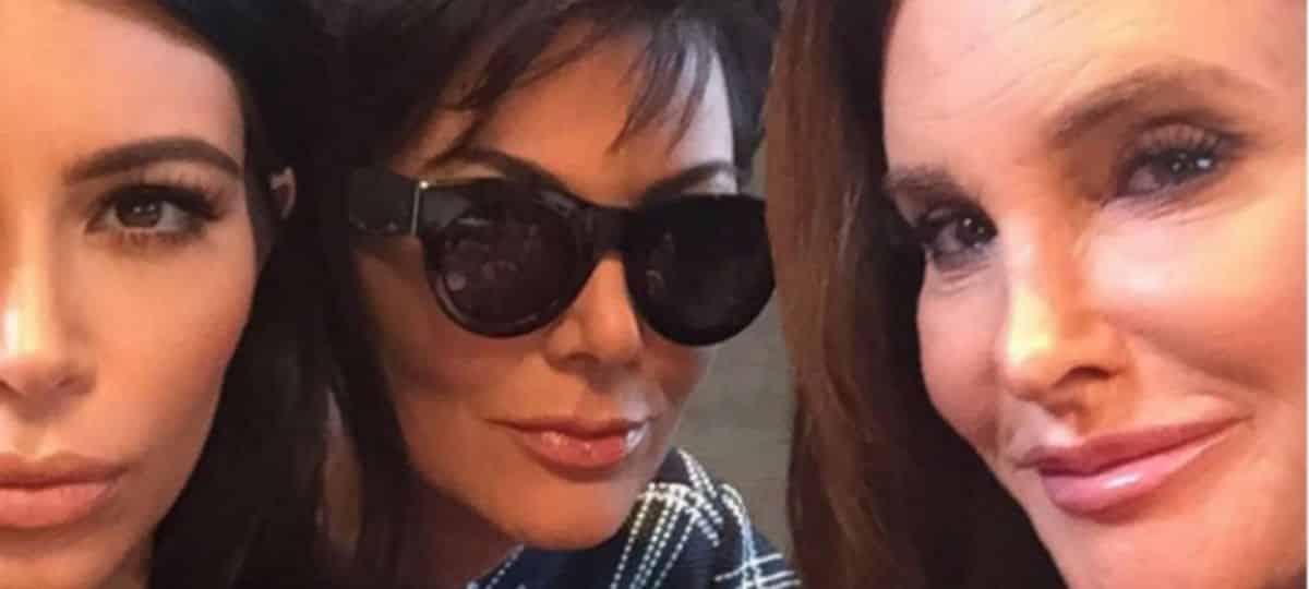 Kim Kardashian fière que sa mère Kris Jenner respecte Caitlyn Jenner !