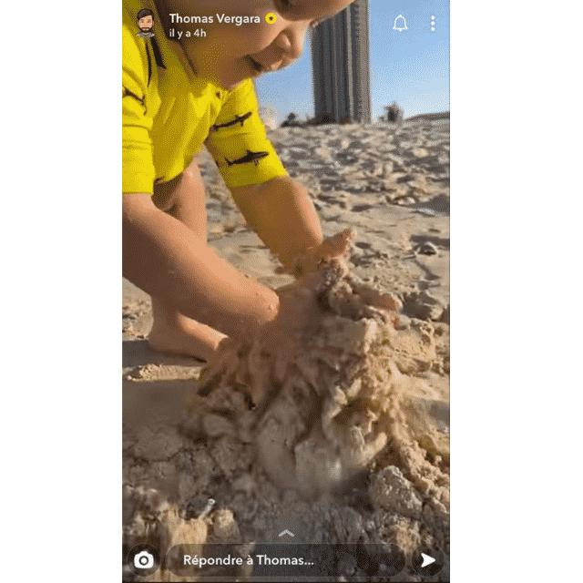 Nabilla: Thomas Vergara et Milann se font une journée plage !