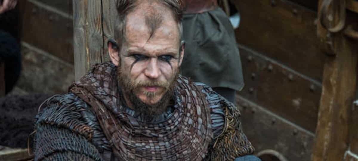 Gustaf Skarsgard (Vikings) donne de la force à son ami Daniel Savio !