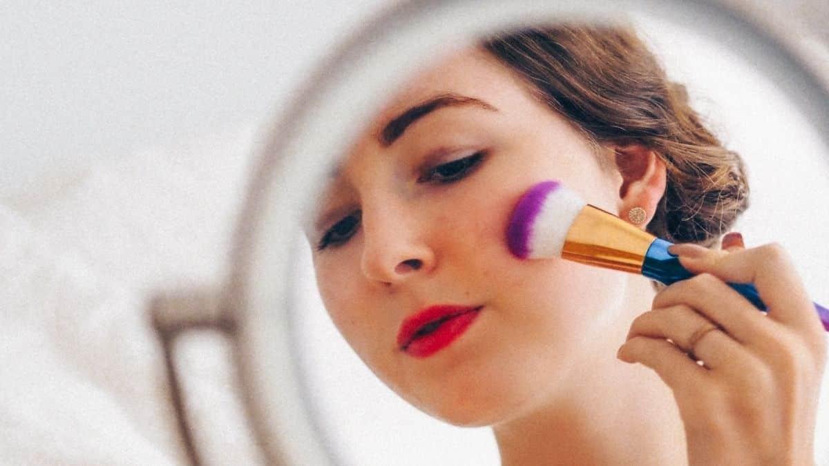 Lidl dévoile son miroir à LED parfait pour faire son maquillage !
