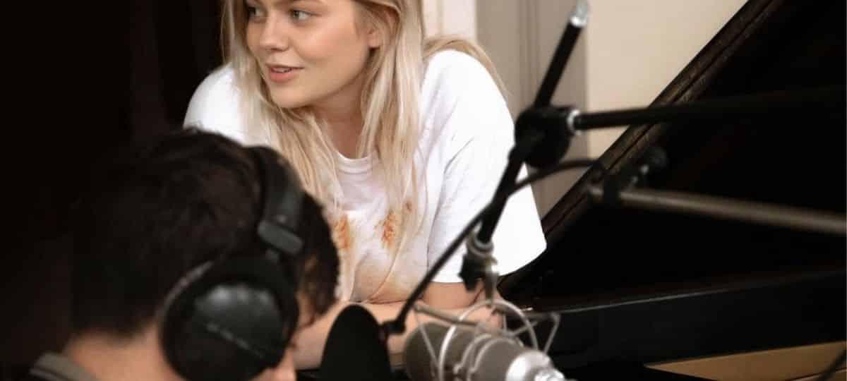 Louane tease son prochain album sur Instagram et fait le buzz !