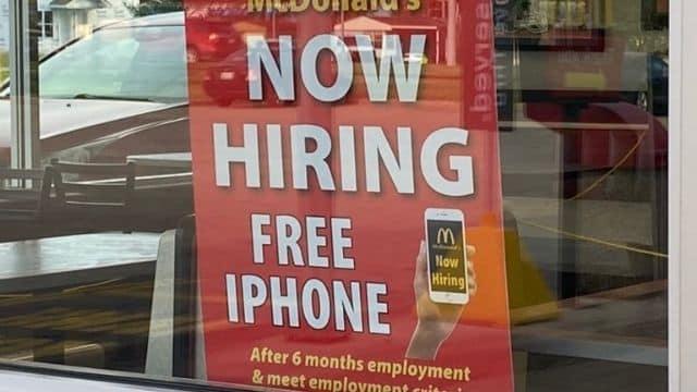 McDonald's propose un iPhone gratuit pour attirer ses futurs salariés !