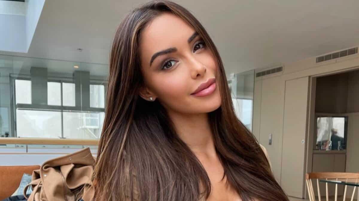 Nabilla ultra sexy avec une tenue moulante sur Instagram !
