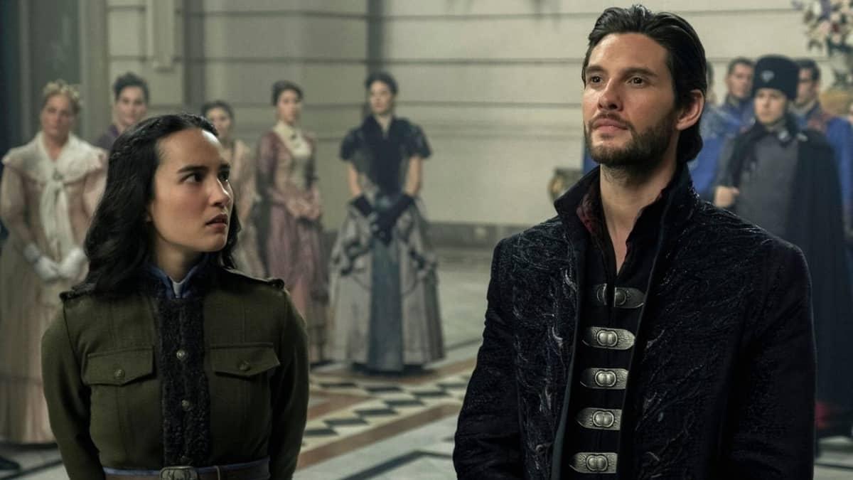 """Netflix: ces baisers très attendus dans """"Shadow and Bone"""" !"""