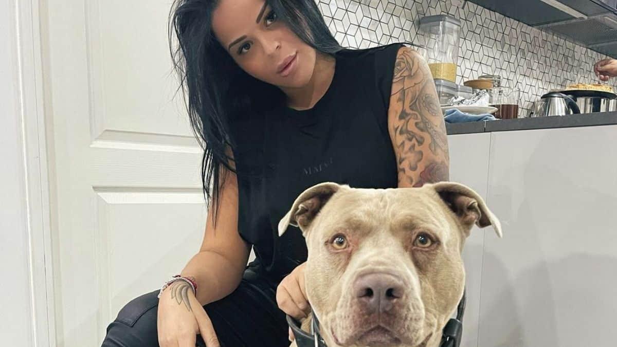 Sarah Fraisou ultra hot avec son chien sur Instagram !