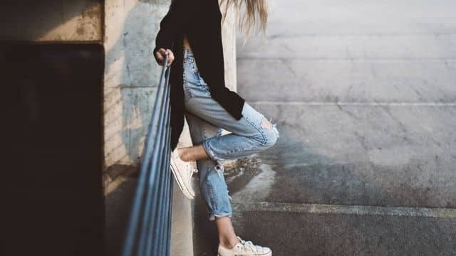 Zara, H&M, Mango: 6 tops à moins de 10€ à assortir avec son jean skinny !