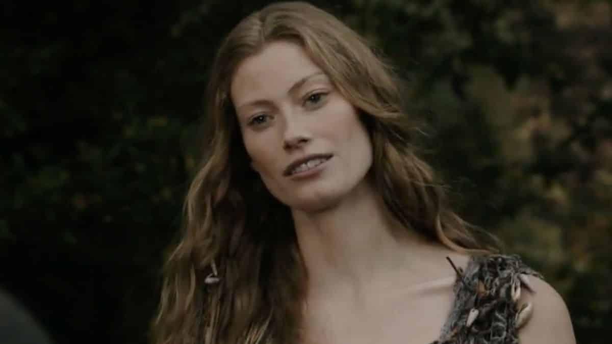 Alyssa Sutherland (Vikings) présente dans le film «Evil Dead Rise» !