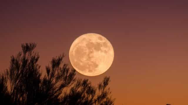 Astrologie: 2 signes vont ultra mal vivre cette pleine lune de Juin !