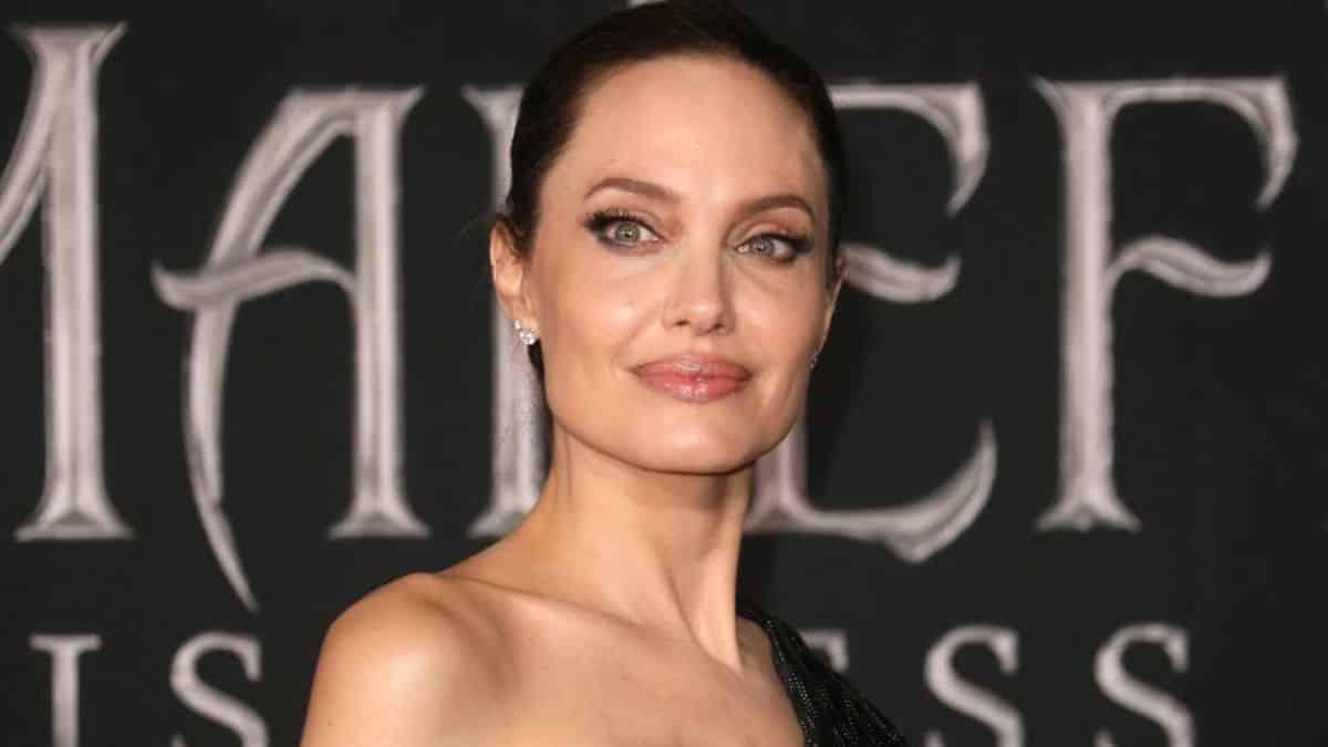 Brad Pitt: son ex Angelina Jolie en couple avec son premier mari ?