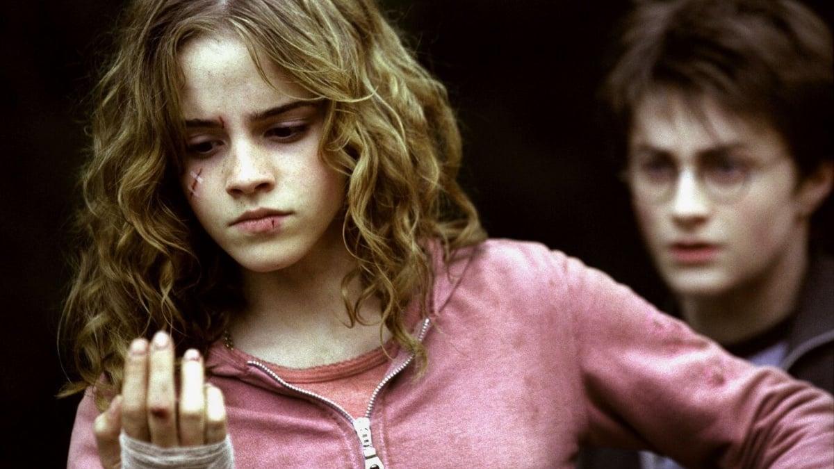 """Emma Watson: TOP 3 de ses scènes cultes dans la saga """"Harry Potter"""" !"""