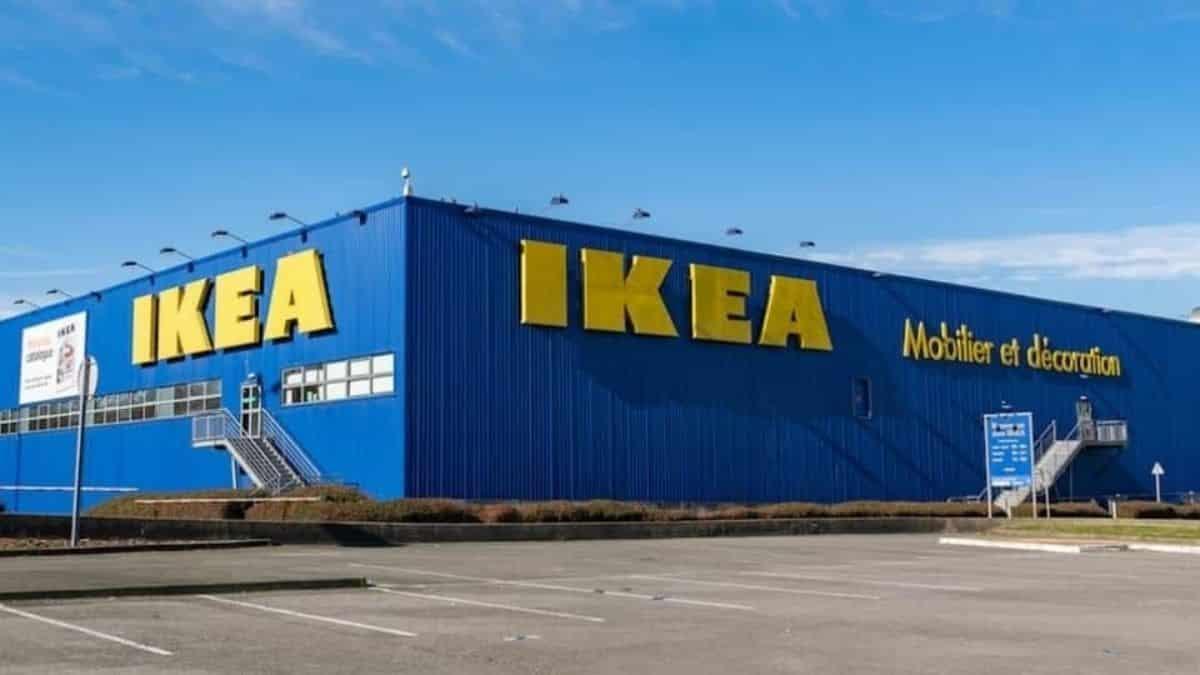 Ikea: le manteau-duvet futur gros carton chez les campeurs cet été ?