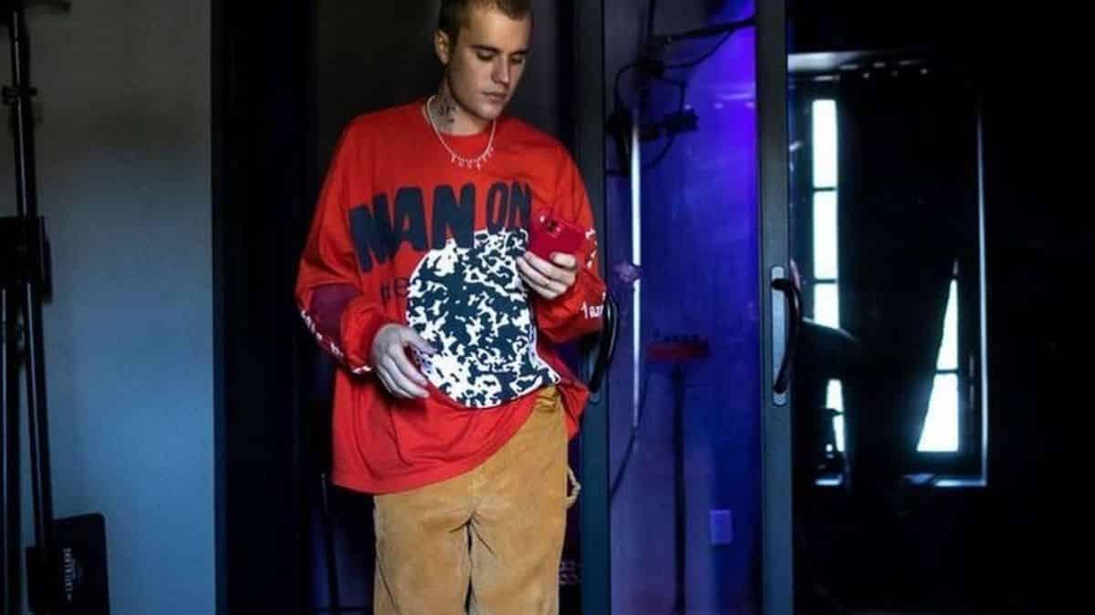 Justin Bieber s'affiche avec un look ultra stylé en Californie !