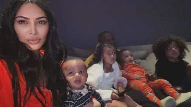 Kim Kardashian rend hommage à Kanye West pour la Fête des pères !