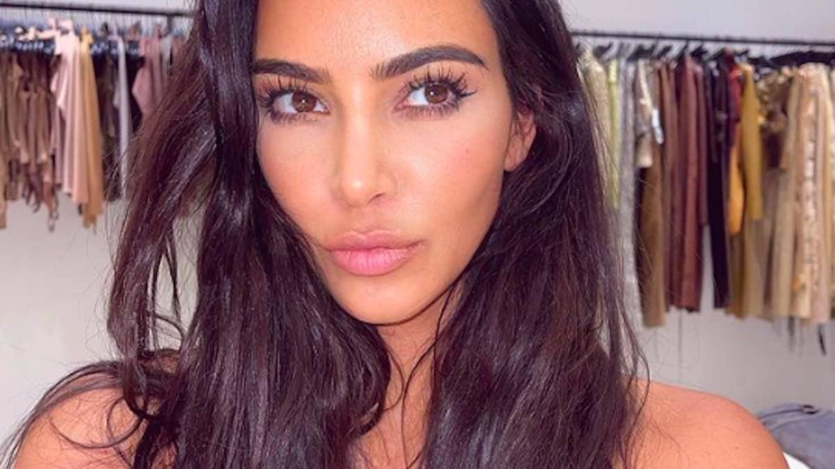 Kim Kardashian se dévoile très sexy en body transparent sur Instagram !