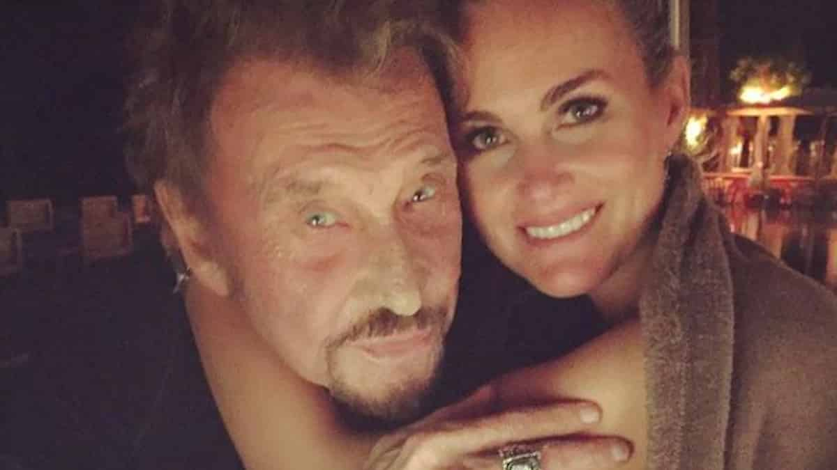 Laeticia Hallyday fière de ses filles et de leur hommage à Johnny !
