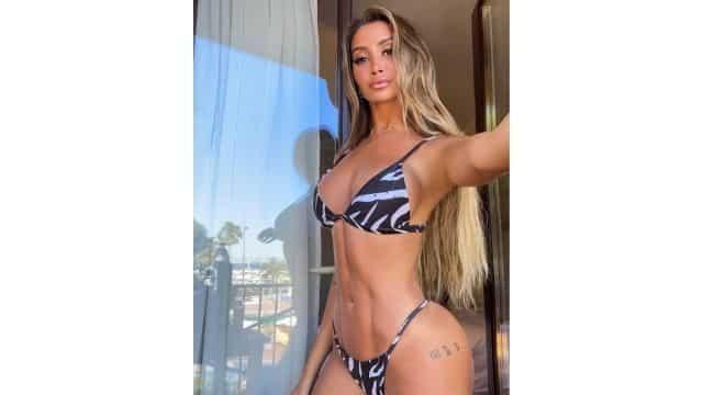Océane El Himer Les Marseillais ultra sexy en bikini sur Instagram