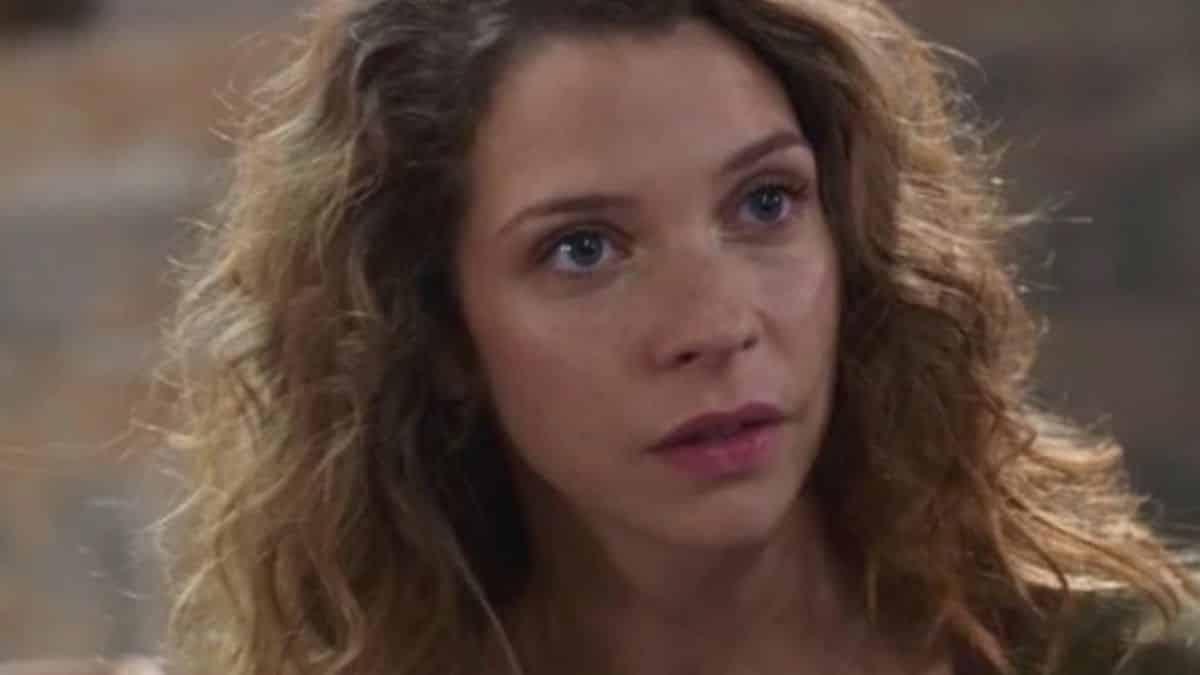 Plus belle la vie: Léa apporte son aide à Sabrina et Nathan !Plus belle la vie: Léa apporte son aide à Sabrina et Nathan !