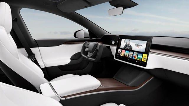 PS5: des composants de la console Sony utilisés pour la Tesla Model ?