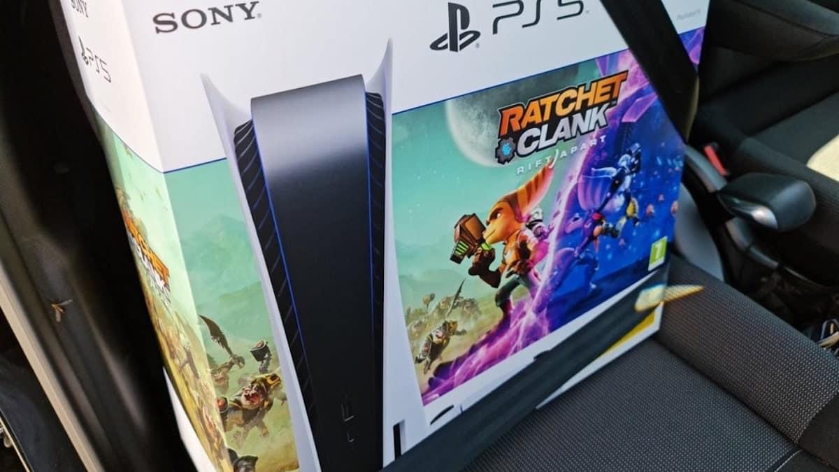 PS5: le bundle avec Ratchet & Clank Rift Apart déjà dispo en magasin !