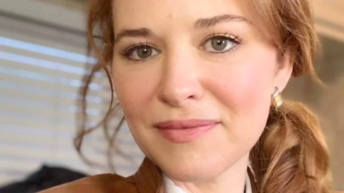 "Sarah Drew (Grey's Anatomy) dévoile son rôle choc dans ""Cruel Summer"" !"