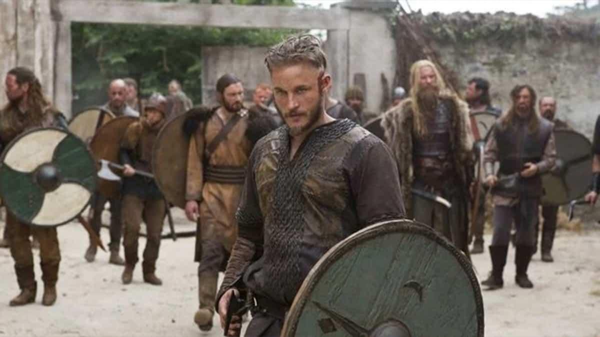 Vikings: Top 10 des choses que vous ignorez sur le personnage Athelstan !