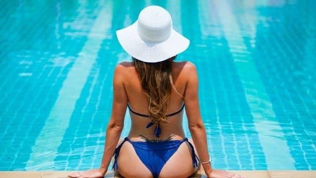 Astrologie: quelle couleur de maillot de bain choisir selon son signe ?